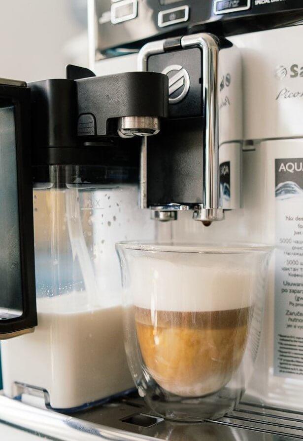 Saeco PicoBaristo Deluxe SM547810 kawa latte