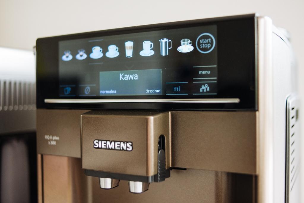 Siemens EQ.6 Plus ekspres do kawy wyswietlacz