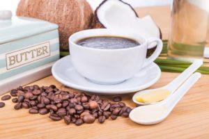 Kawa kuloodporna – bulletproof coffee