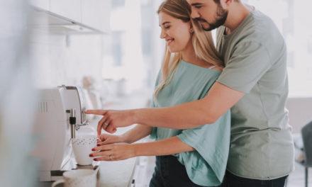 Jak prawidłowo czyścić i odkamienić ekspres do kawy?