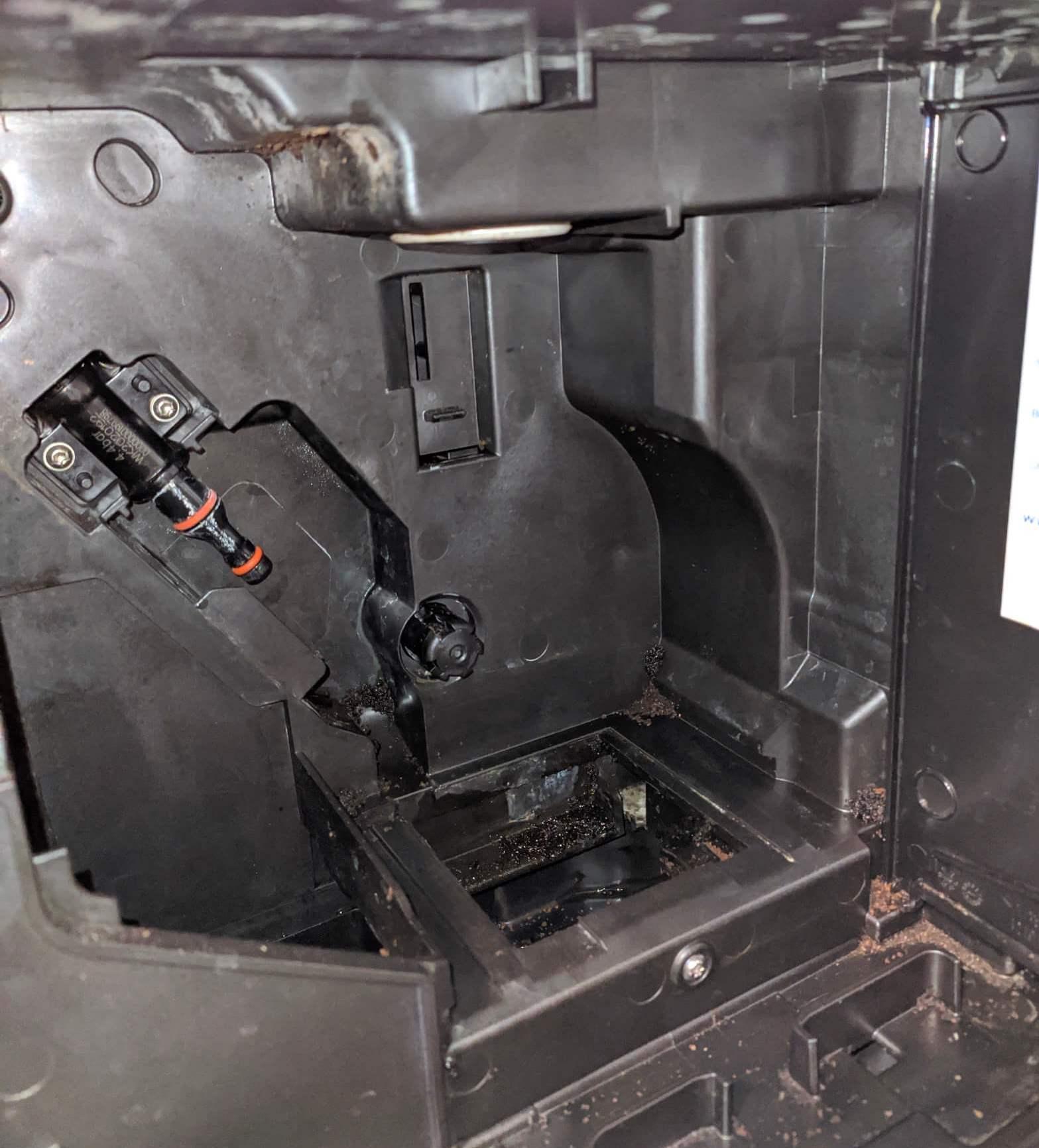 Wnętrze ekspresu Philips Lattego 5400
