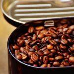 Jak i w czym przechowywać kawę ziarnistą lub zmieloną?